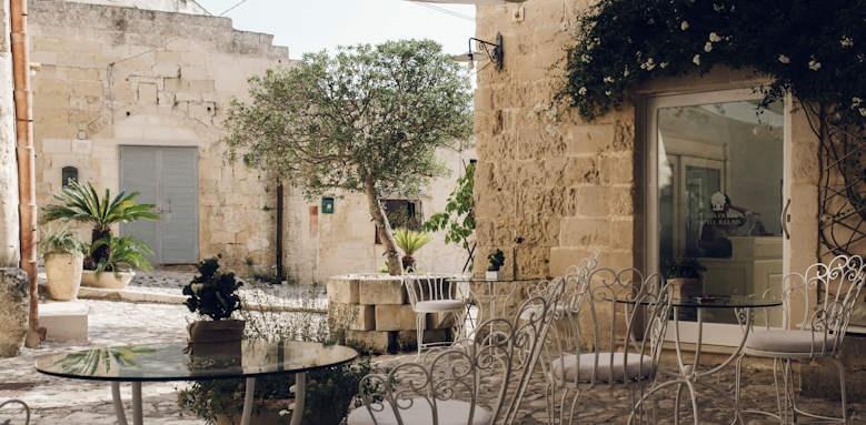 Relais la Casa di Lucio, courtyard
