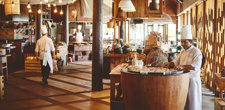 LUX South Ari Atoll, market dining