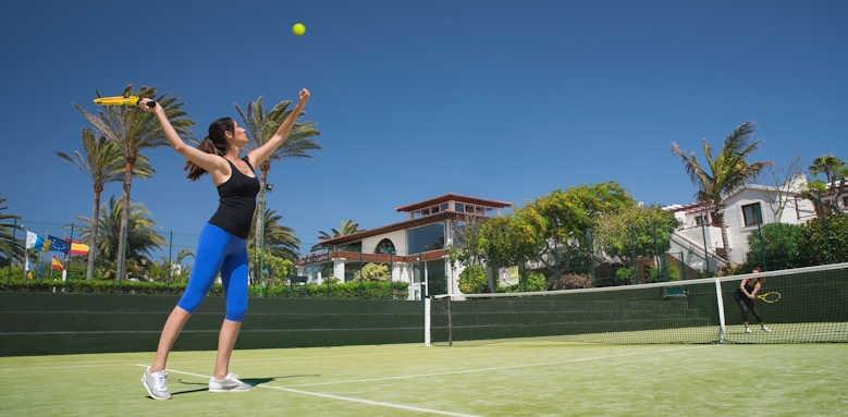 Alua Suites, tennis