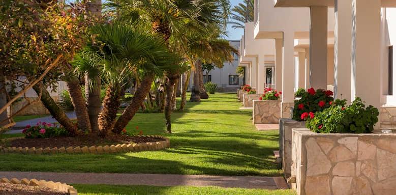 Alua Suites, garden area