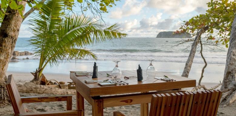 Arenas del Mar Beachfront & Rainforest Resort, beach chairs