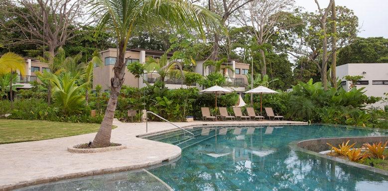Nantipa Hotel, pool