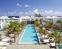 Barcelo teguise beach, pool area