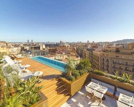 The One Barcelona, pool area