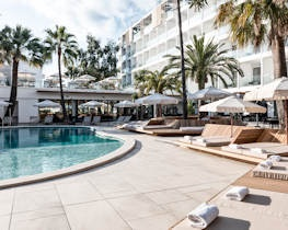 caprice alcudia port, pool area