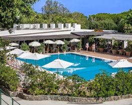Botania Relais & Spa, pool area