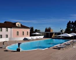 Castello dal Palazzo, pool area