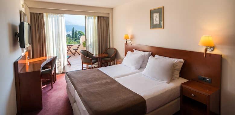 Iberostar Bellevue, guestroom