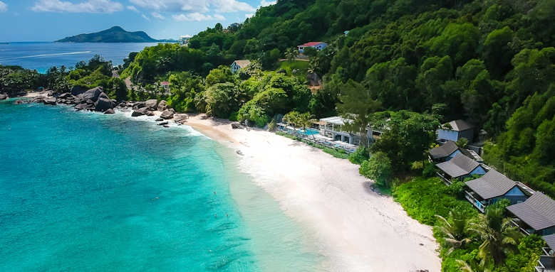 Carana Beach Hotel, thumbnail