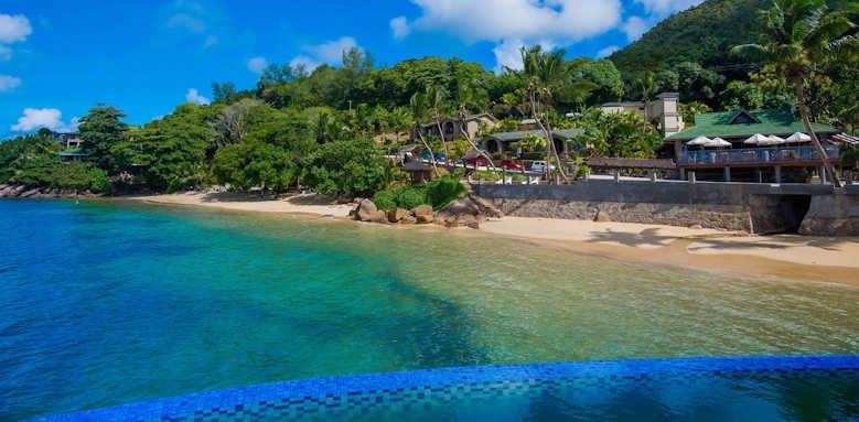 Coco de Mer Hotel & Black Parrot Suites, hotel view
