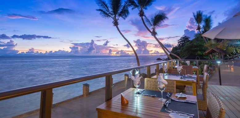 Coco de Mer Hotel & Black Parrot Suites, night dining