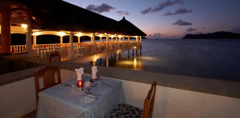 Le Domaine de la Reserve, sunset dining