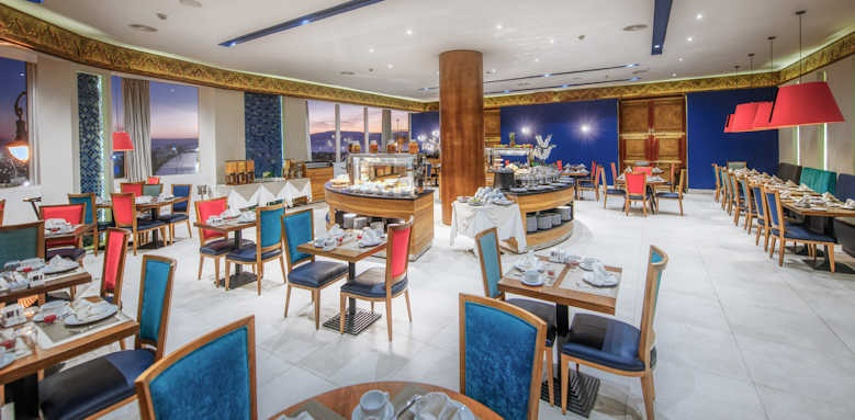 Marina Bay Tangier, restaurant seating area