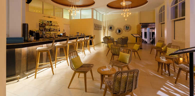 Hotel L'Archipel, bar 2