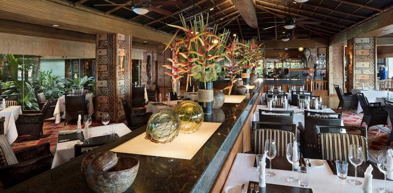 Anantara Riverside Bangkok Resort, restaurant
