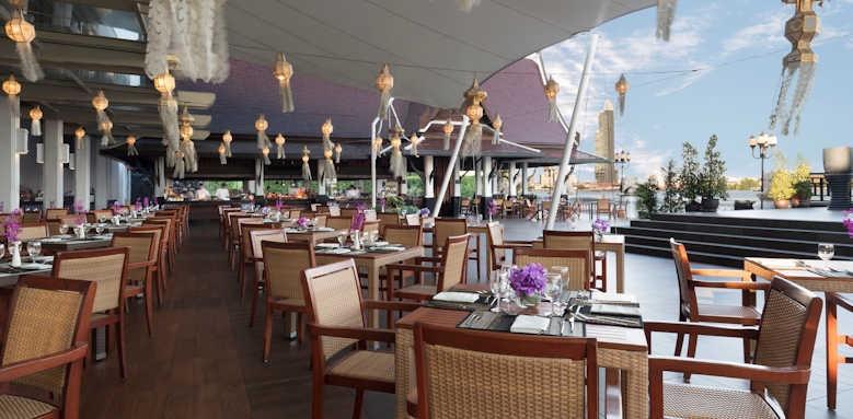 Anantara Riverside Bangkok Resort, terrace dining