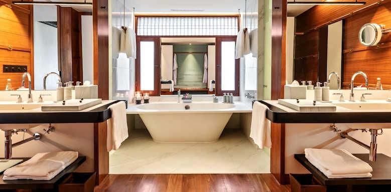 The Datai, Canopy Deluxe bathroom