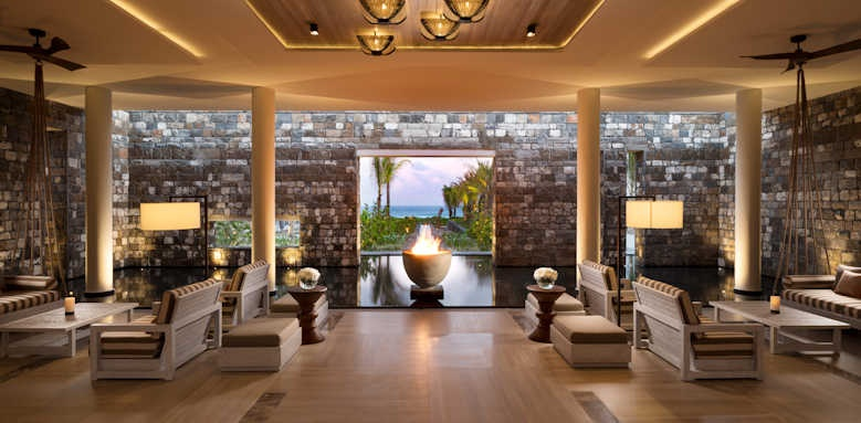 Anantara Iko Mauritius, lobby