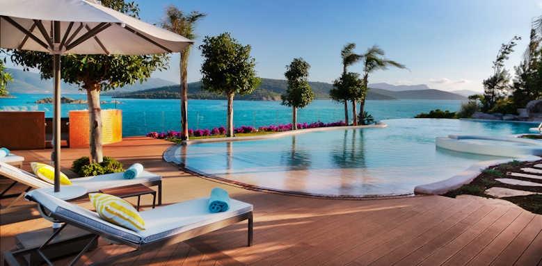 Le Meridien Bodrum Beach Resort, pool area