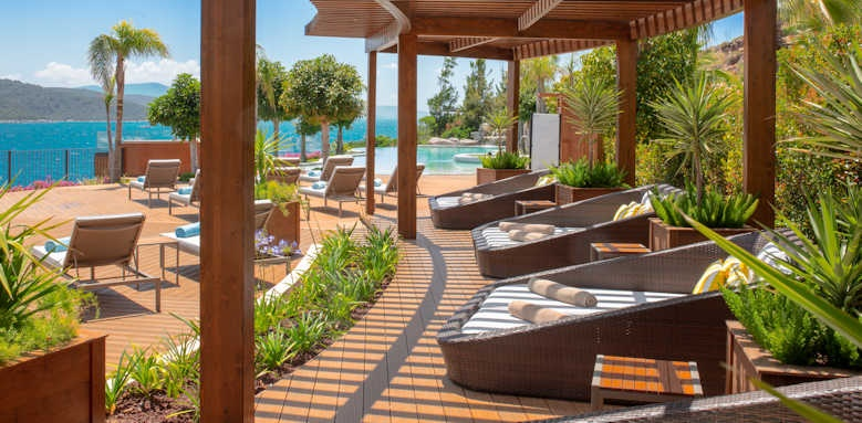 Le Meridien Bodrum Beach Resort, sunbeds