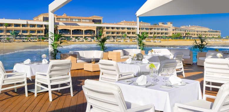 Secrets Bahia Real Resort & SPA, lounge and club