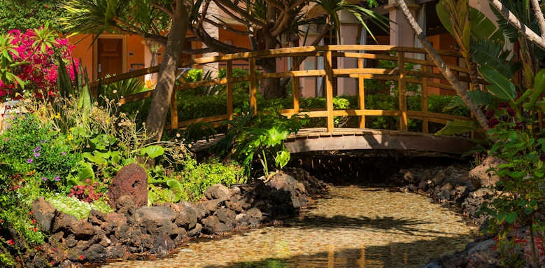 Secrets Bahia Real Resort & SPA, garden bridge