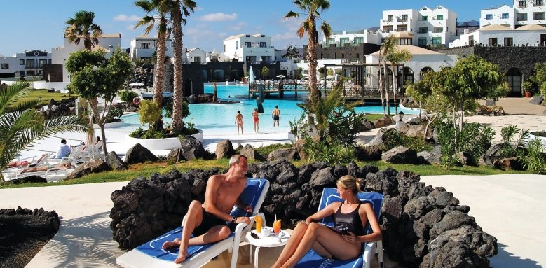 Hotel Volcan Lanzarote, couple by pool