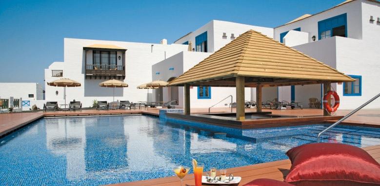 Hotel Volcan Lanzarote, royal service pool