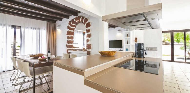 villas kamezi, 4 bedroom kitchen