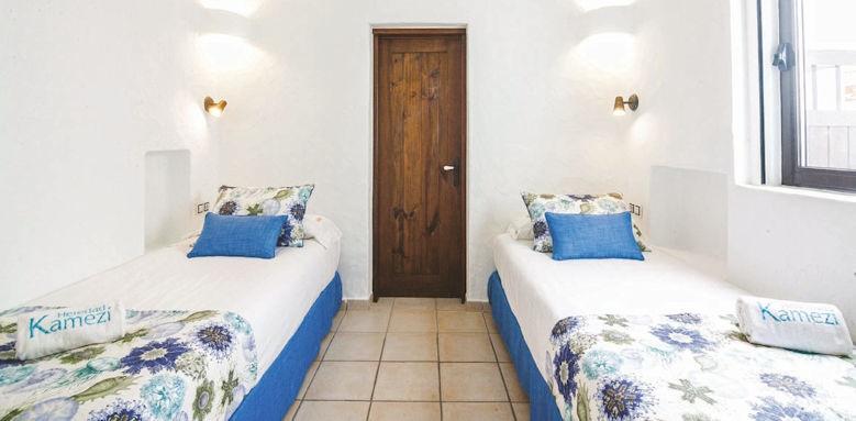 villas kamezi, villa bedroom