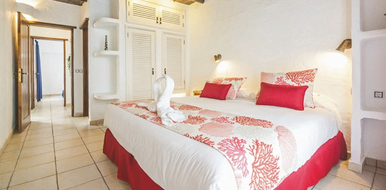 villas kamezi, main bedroom