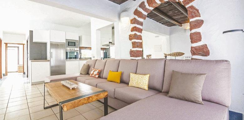 villas kamezi, 4 bedroom living room