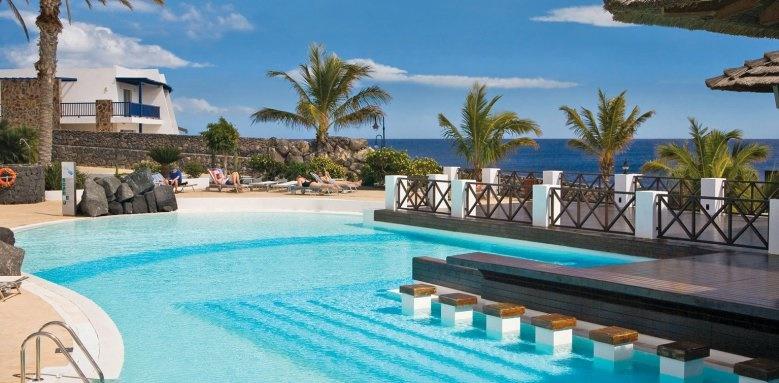 hesperia lanzarote, pool