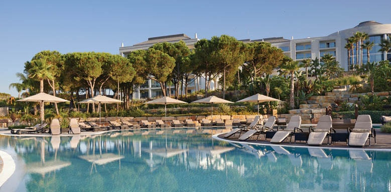 Conrad Algarve, Dado pool