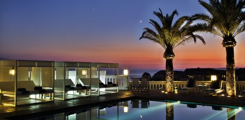 Bela Vista Hotel & Spa, pool at night