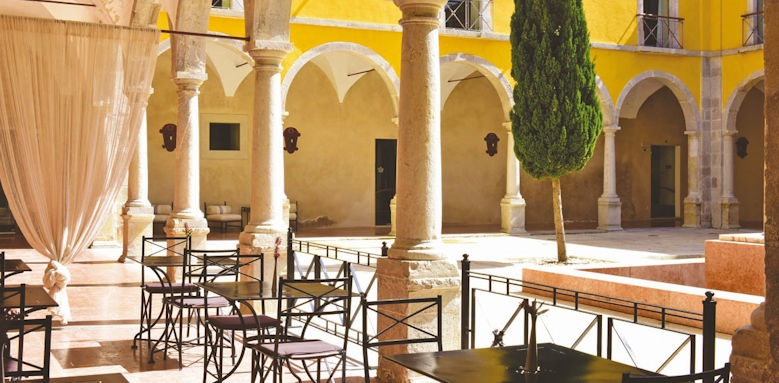 Pousada Tavira, courtyard