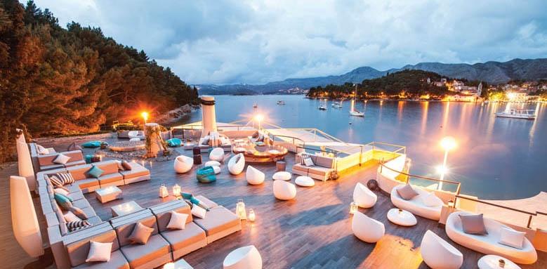 Hotel Croatia, Spinaker lounge