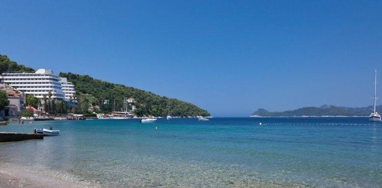 Lafodia Sea Resort, beach