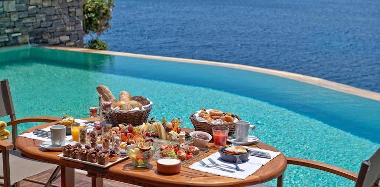 Grand Resort Lagonissi, in room breakfast