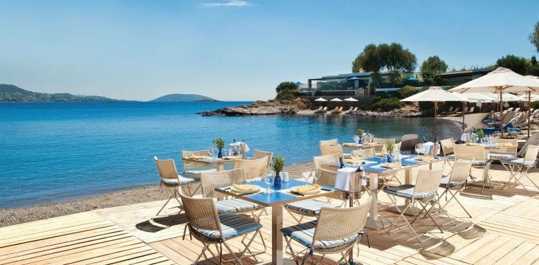 Grand Resort Lagonissi, restaurant terrace