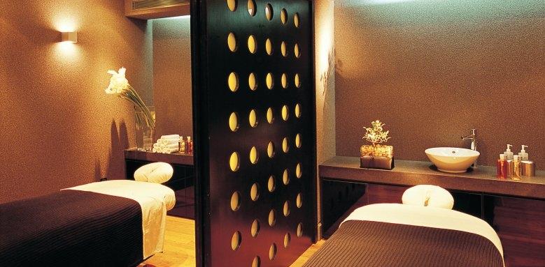Grand Resort Lagonissi, treatment room