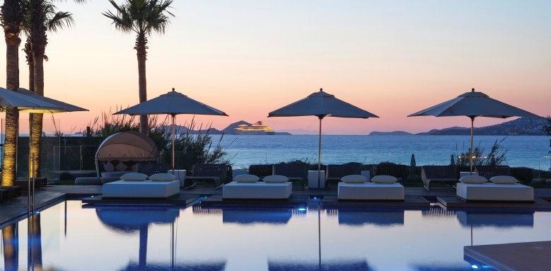 Aqua Blu Boutique Hotel & Spa, sunset pool