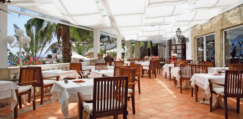 Bon Sol, beach restaurant