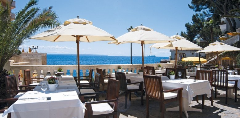 Bon Sol, restaurant terrace