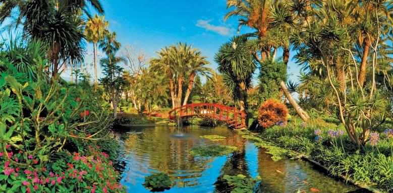 Botanico, lake & garden