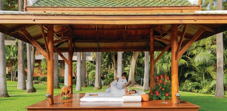 Botanico, massage pagoda