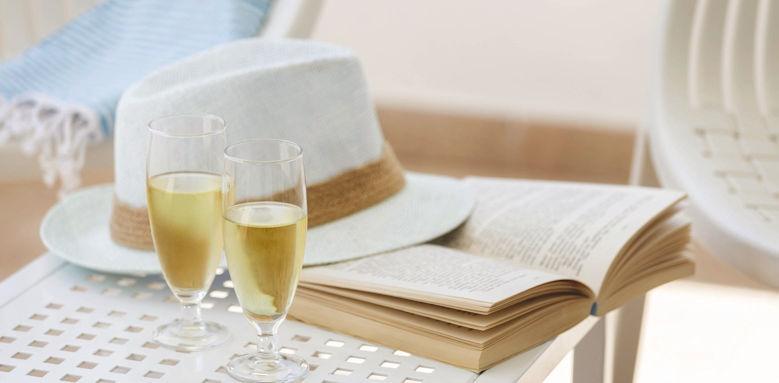 Cala d'or, cava book sunhat