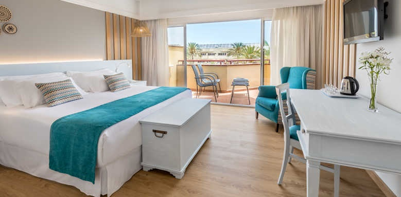 Barcelo Corralejo Bay, standard room with swimming pool view