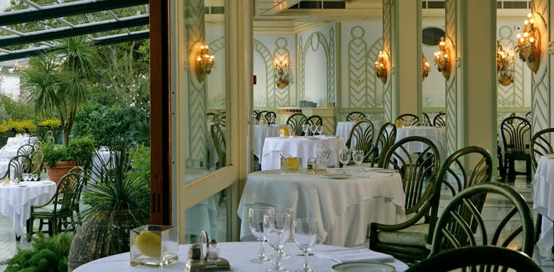 Grand Hotel Capodimonte, indoor restaurant with terrace
