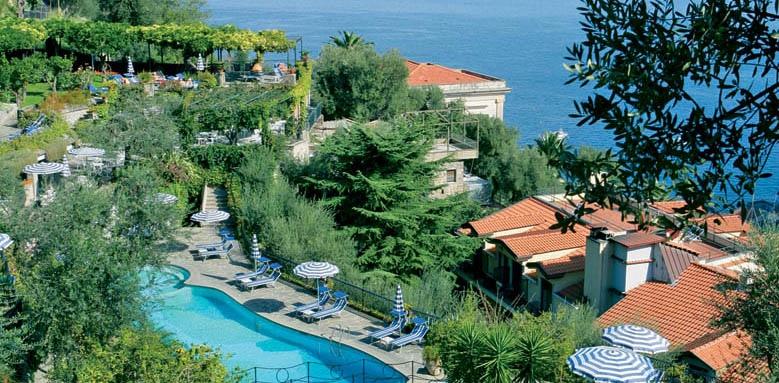 Grand Hotel Capodimonte, swimming pools